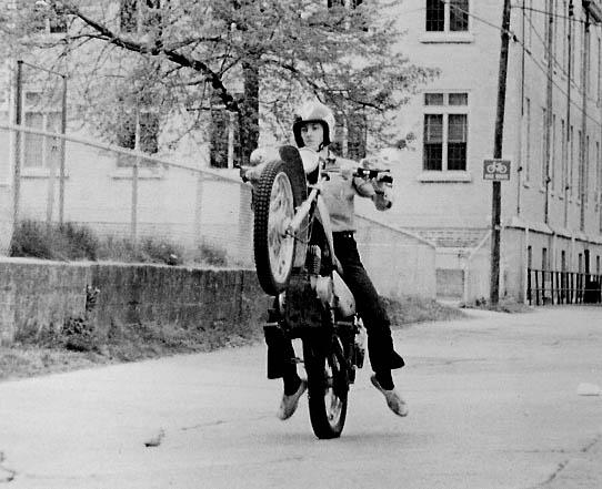 vehicle. bikes. mike suzuki. jpg.